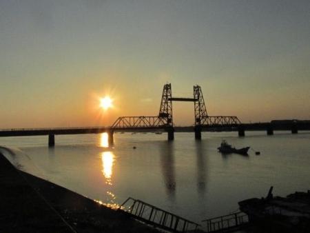 昇開橋の夕陽 003