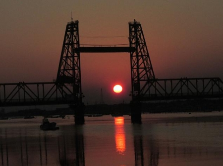 昇開橋の夕陽 032