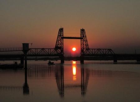昇開橋の夕陽 025