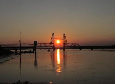 昇開橋の夕陽 017