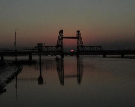 昇開橋の夕陽 050