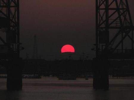 昇開橋の夕陽 046