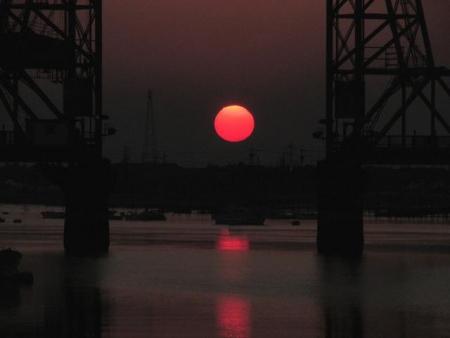 昇開橋の夕陽 040