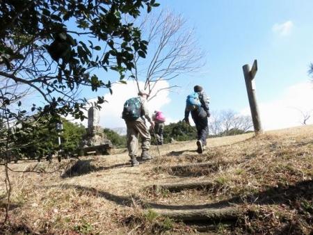 小岱山へ坂田さん達と 064