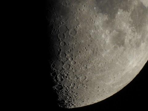 moon0943.jpg
