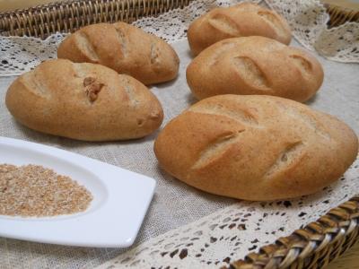 P_studiomimisa胚芽パン