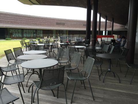 屋上のカフェ