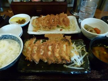焼き餃子赤白定食