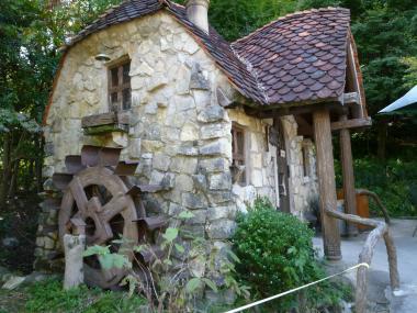 小さな水車小屋