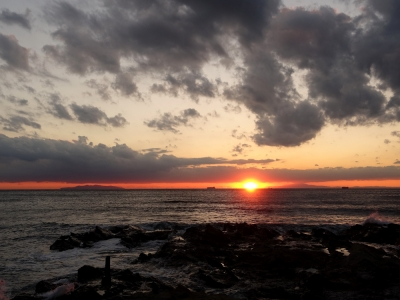 夕日 ‐ 自宅近くの海岸にて