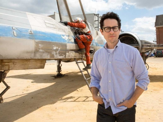 JJ-Abrams-Star-Wars-Force-Awakens_.jpg