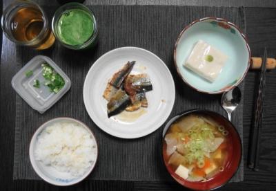 秋刀魚と胡麻豆腐と豚汁定食