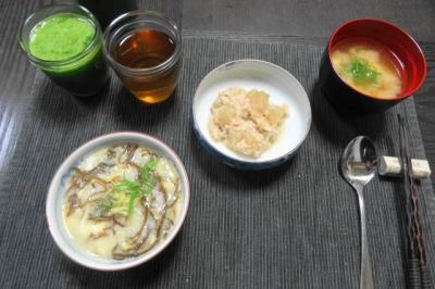 シンプルな食卓