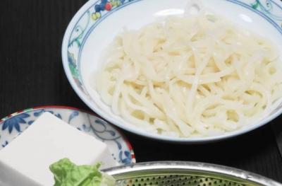 絹ごし豆腐、締めの細うどん