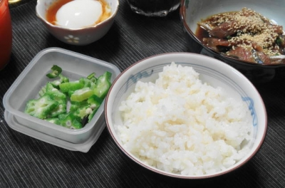 ご飯にオクラ、大分の琉球