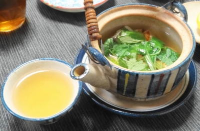 松茸の土瓶蒸し まずはお出汁