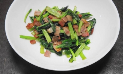 かぶ菜とベーコンの炒め