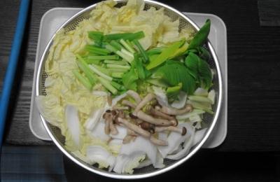 白菜、ネギ、チンゲン菜、シメジ