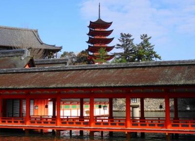 回廊と五重の塔