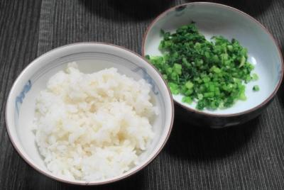 白いご飯に、かぶ菜