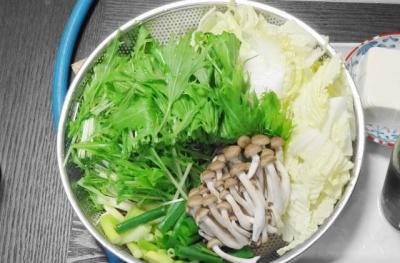 白菜・水菜・ネギ・しめじ