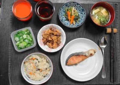 鮭と炊き込みご飯のマクロビ和食