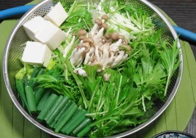 水菜・青ネギ・豆腐・しめじ