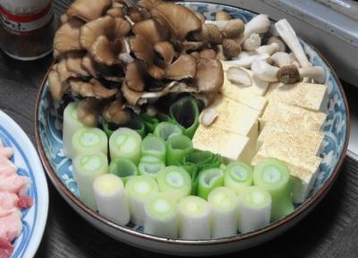 白ネギ・焼き豆腐・舞茸・シメジ