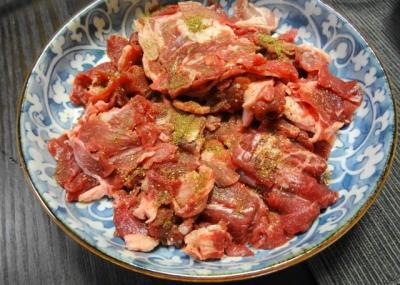 天然イノシシのコマ肉