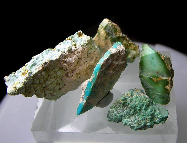 No.825 Turquoise