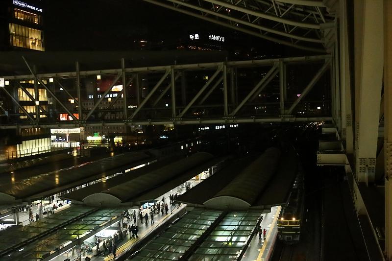 トワイ釜 大阪駅入線