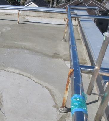 屋上防水給水管