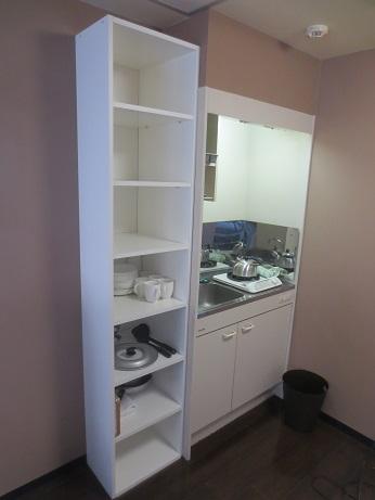 DIYキッチンの左のへこみ棚2