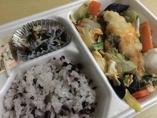 ほっともっと タニタ監修弁当(彩り野菜のトマトチキンカレー)2