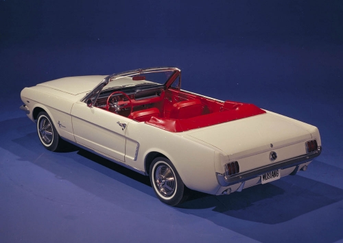 1964-1_2-ford-mustang-convertible-04