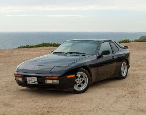 1986-Porsche-944-Turbo_01.jpg
