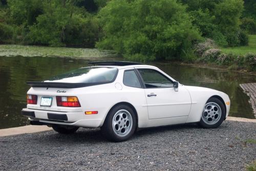 1986-Porsche-944-Turbo_02
