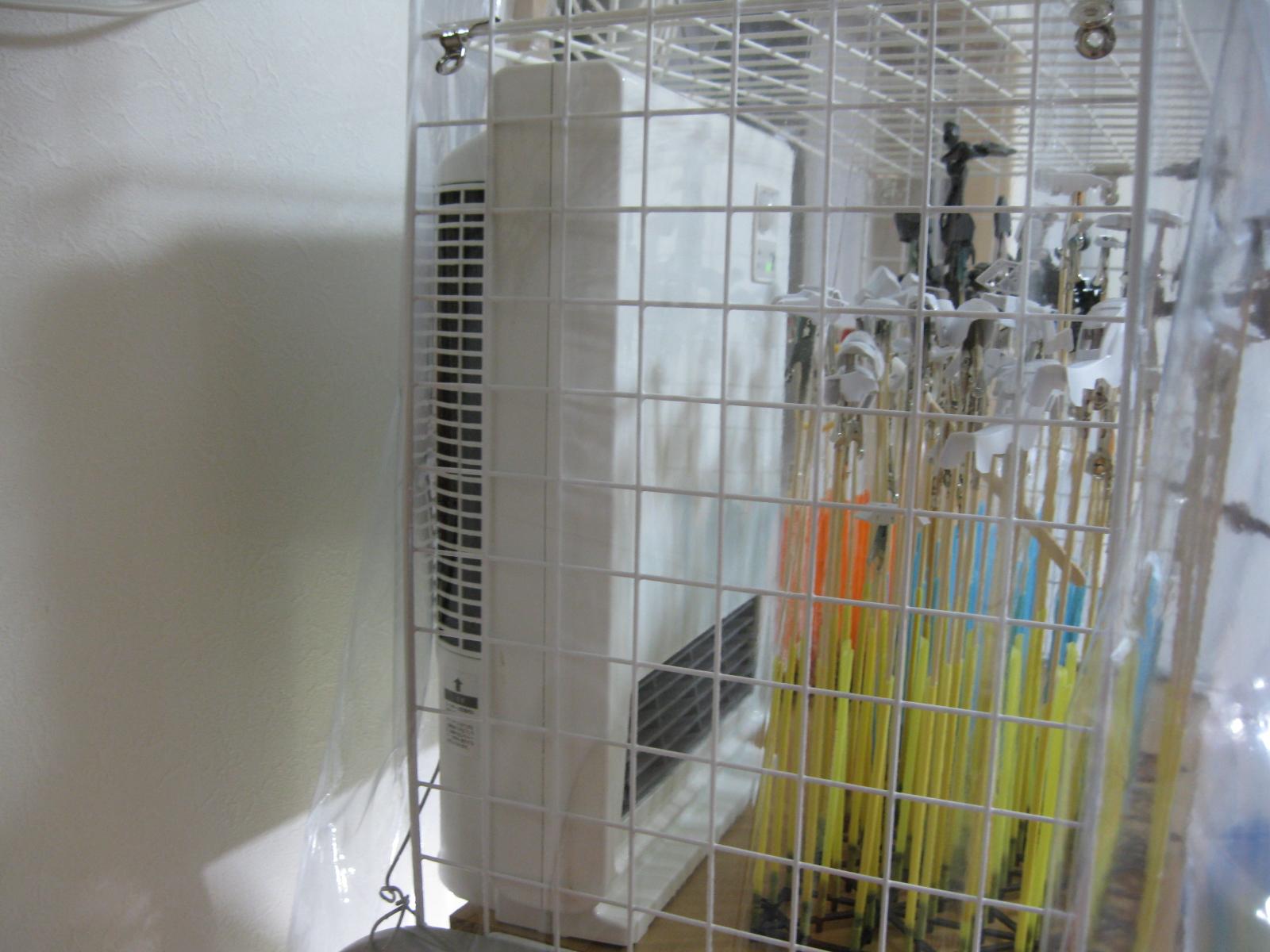 乾燥ブースにセラミックファンヒーター