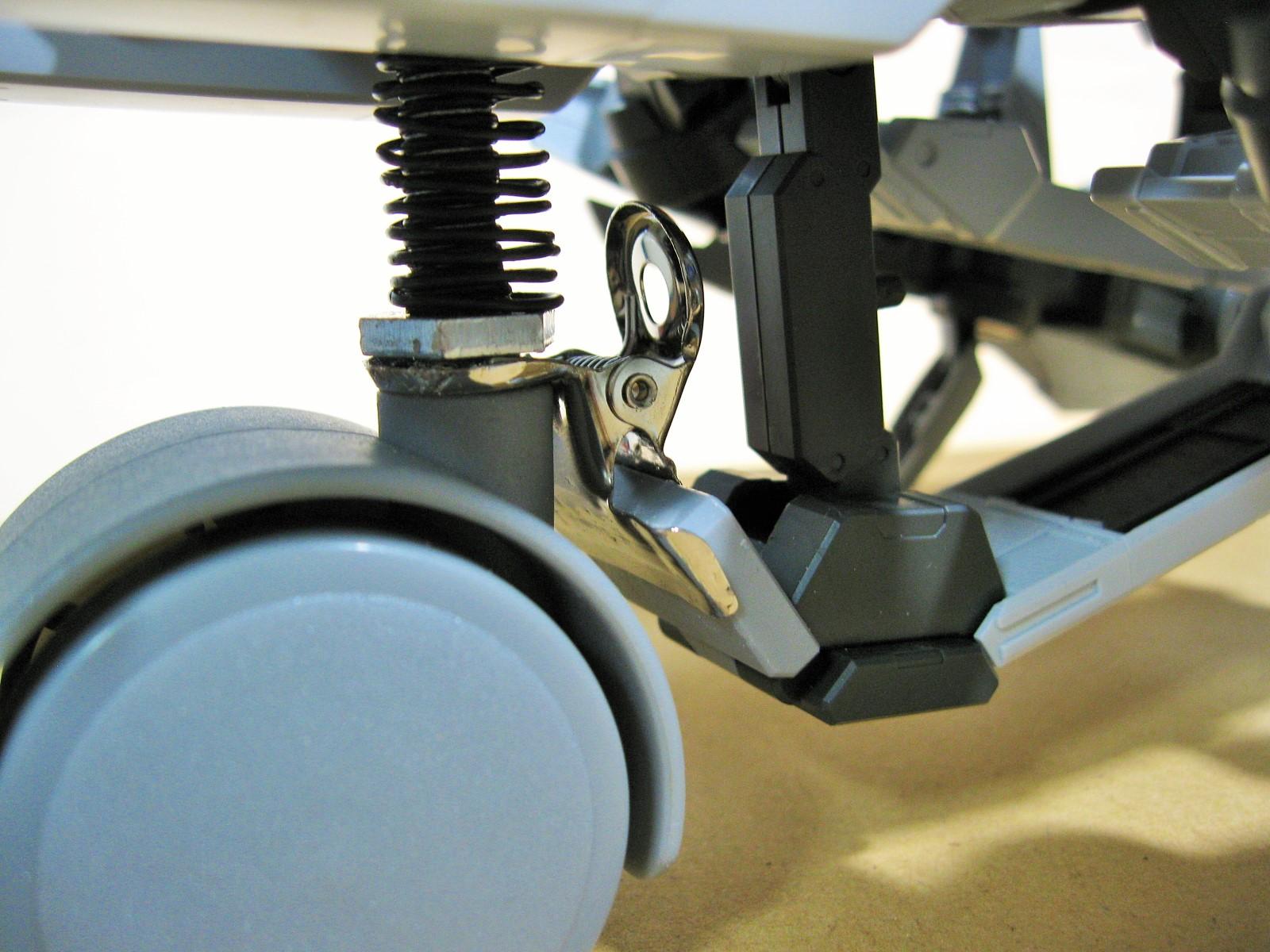 Long-distance transportation machinery 長距離輸送機「クタン参型」に地上用パーツを作成 タイヤ ホバー ホバークラフト