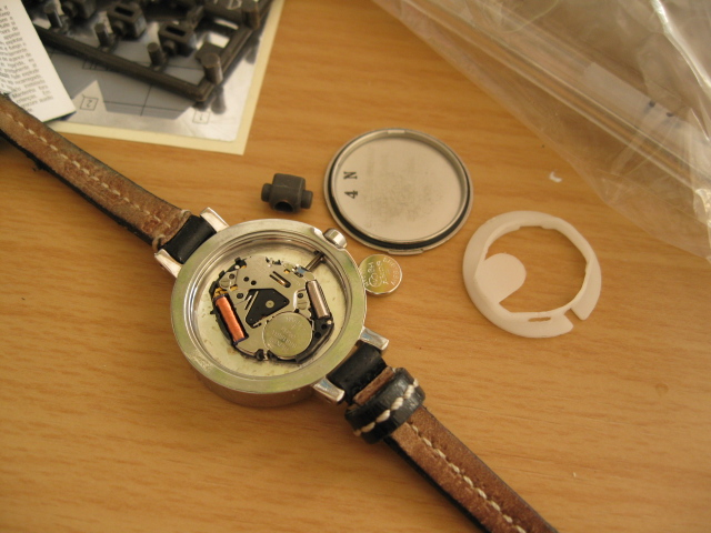 腕時計の電池を交換する