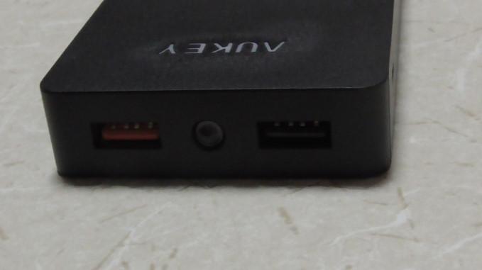 Aukeyモバイルバッテリー10000mAhPB-T4-34-07-921