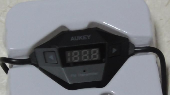 Aukeyのカー用品FMトランスミッターと車載充電器をレビュー03-04-24-090