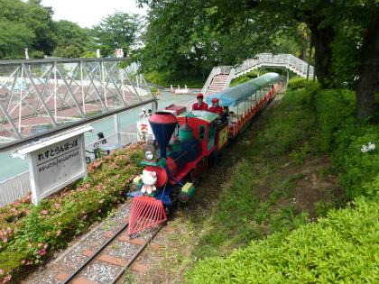 おとぎ列車04