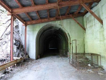 立岩隧道06
