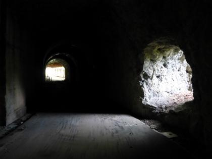 立岩隧道08