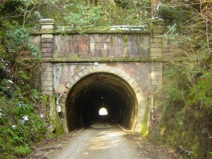 横山隧道03