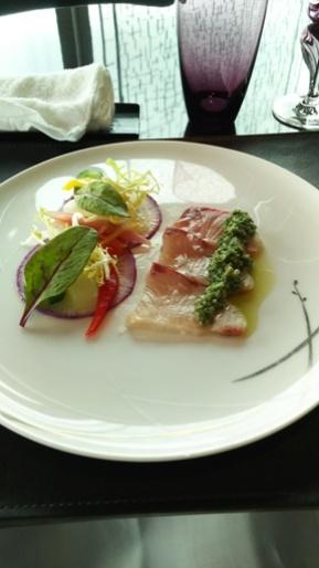 アペタイザー 鰤のカルパッチョ 鰤のカルパッチョ 柚子風味 グリーンオニオンのサルサ