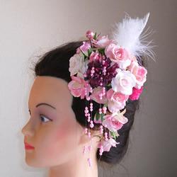 ピンクローズとファーの成人式髪飾り