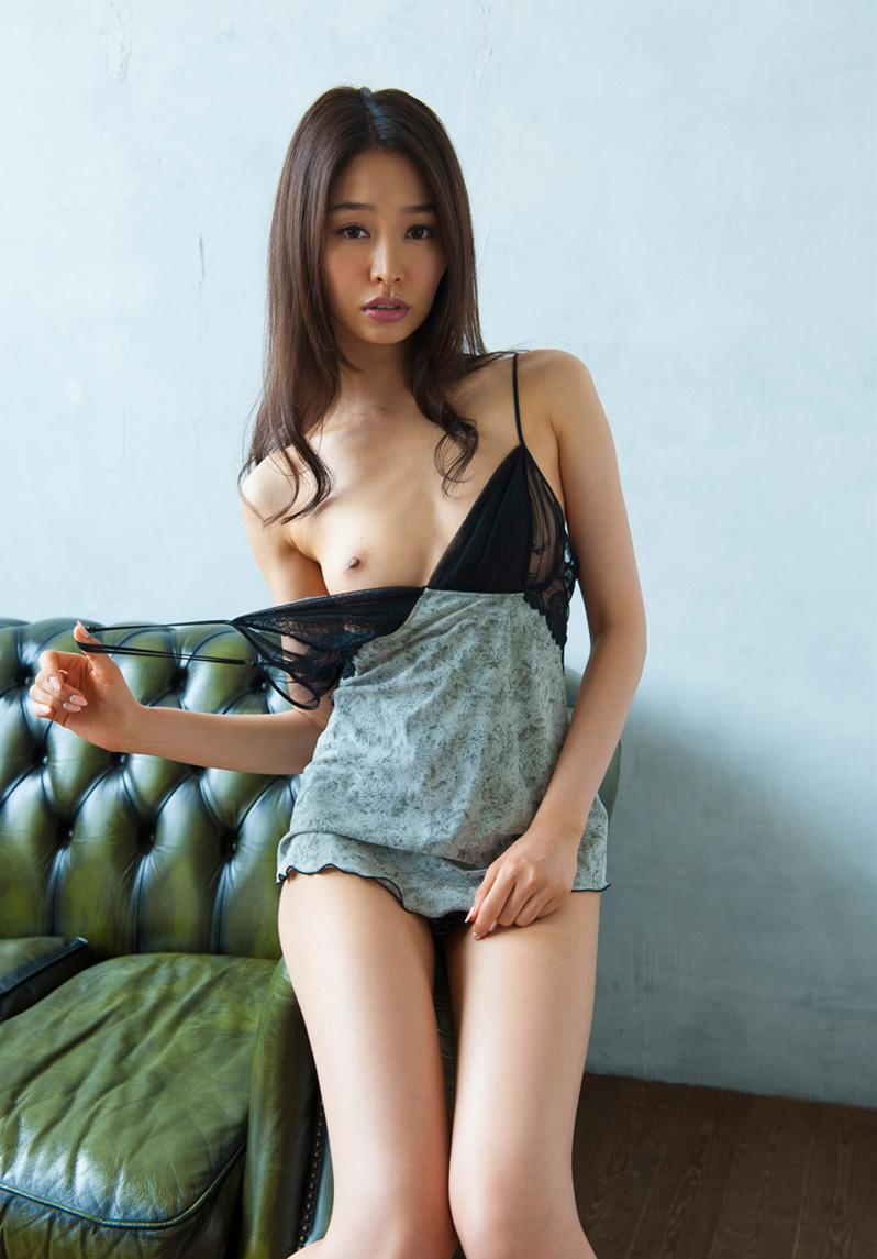 【No.25377】 おっぱい / 夏目彩春