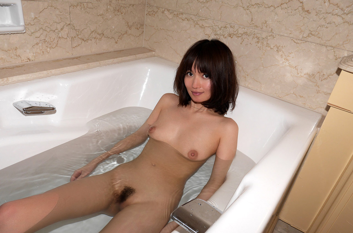 【No.25403】 入浴 / 一色里桜